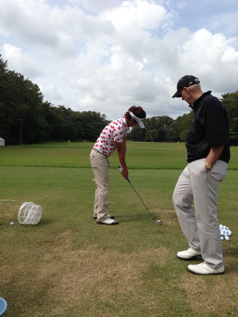 warm-up before a practice round at the Diamond Cup